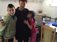 b.Ivanka + kids
