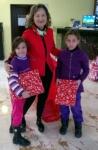 2 girls +A