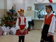 2 girls performing