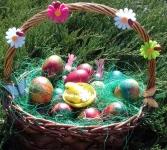Drem - basket with eggs