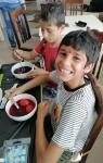 Dupmitsa 2 boys - coloring eggs