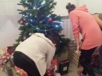 G.B.Christmas tree + girls