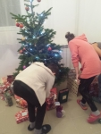 Christmas tree + girls