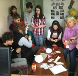 babi+kids making martenitsi