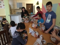 Botevgrad - children + presents 1