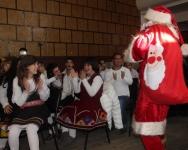 Д.Коледа подаръци и младежи