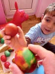 Pleven A boy knocking egg 1