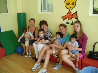 British volunteers from Mums for Babas